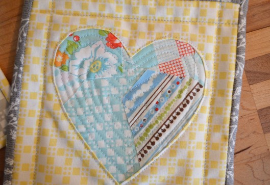 scrappy reverse applique heart blue